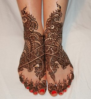 Some beautiful Mehndi Designs For Eid 09