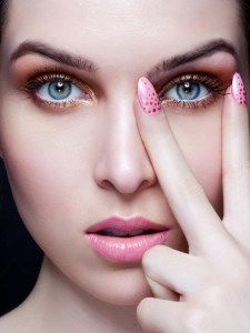 What Eye Lenses Will Suits Your Face Best?