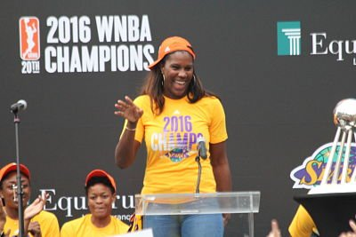 Jantel Lavender came to the podium and danced before speaking. Photo by Benita West/T.G.Sportstv1.