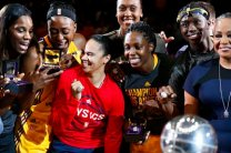 Members of the Los Angeles Sparks pose with their Championship rings. Photo by Maria Noble/WomensHoopsWorld.