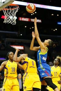 Skylar Diggins erupted in the second half and finished with 28 points. Photo by Maria Noble/WomensHoopsWorld.