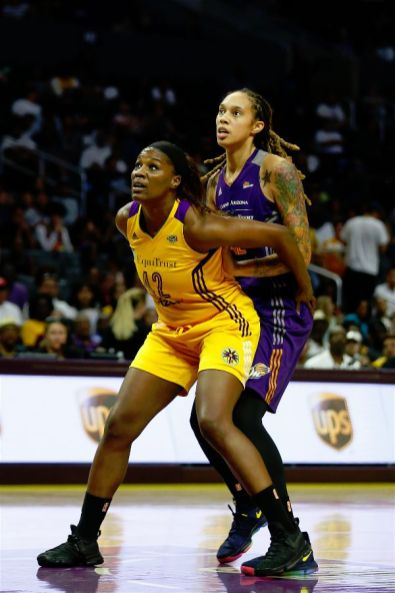 Jantel Lavender boxes out Brittney Griner, who was held to just 11 points on the day. hoto by Maria Noble/WomensHoopsWorld.