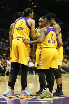 Nneka Ogwumike, Candace Parker, Chelsea Gray, Riquna Williams and Alana Beard speak at a timeout. Photo by Maria Noble/WomensHoopsWorld.