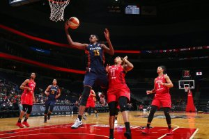 Jonquel Jones penetrates for the layup. Photo from NBAE via Getty Images.