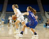 Chantel Horvat looks for the pass. Photo by Maria Noble/WomensHoopsWorld.
