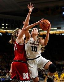 Megan Gustafson. Photo by Brian Ray/hawkeyesports.com,