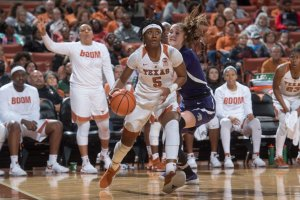 Jordan Hosey drives to the basket. Photo courtesy of Texas Athletics.