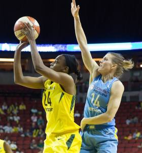 Jewell Loyd gets by Allie Quigley's defense. Neil Enns/Storm Photos.