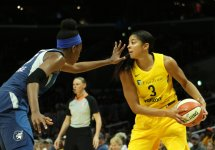 Temi F agbenle defends Candace Parker. Maria Noble/WomensHoopsWorld.