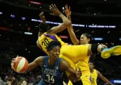 Sylvia Fowles tries to move in the post. Maria Noble/WomensHoopsWorld.