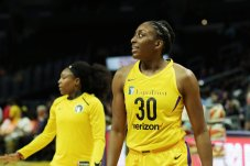 Cappie Pondexter and Nneka Ogwumike. Maria Noble/WomensHoopsWorld.