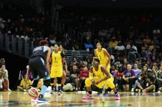 Essence Carson is ready to defend Angel McCoughtry. Photo by Maria Noble/WomensHoopsWorld.