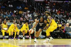 Tiffany Hayes tries to get past Essence Carson. Maria Noble/WomensHoopsWorld.