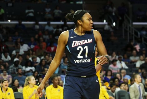 Renee Montgomery reacts to a call. Maria Noble/WomensHoopsWorld.