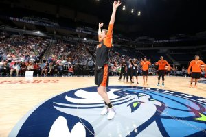 Allie Quigley wins the half-court shooting contest. Photo courtesy of Chicago Sky.