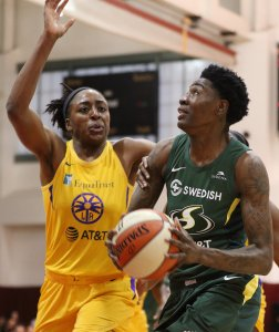 Friday, May 17, 2019 - Natasha Howard is defended by Nneka Ogwumike. Maria Noble/WomensHoopsWorld.