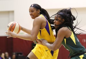 Friday, May 17, 2019 - Anriel Howard guards Ashley Walker. Maria Noble/WomensHoopsWorld.
