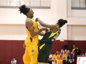 Friday, May 17, 2019 - Nneka Ogwumike and Jewell Loyd collide. Maria Noble/WomensHoopsWorld.
