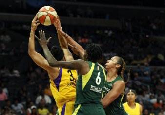 Candace Parker grabs the rebound. Maria Noble/WomensHoopsWorld