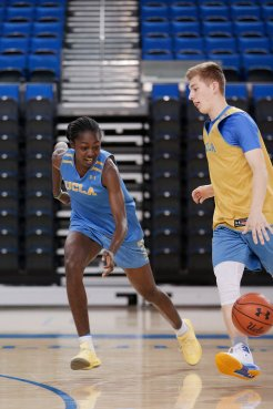 October 29, 2019 - Kayla Owens defemds at the UCLA Bruins women's basketball team preseason practice at Pauley Pavilion in Los Angeles, California. Maria Noble/WomensHoopsWorld