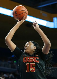 Angel Jackson puts up a shot. Maria Noble/WomensHoopsWorld