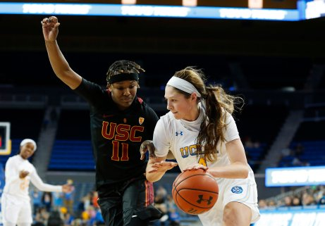Aliyah Jeune defends Lindsey Corsaro. Maria Noble/WomensHoopsWorld