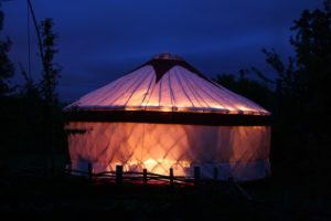 Yurt_by_night_-_geograph.org.uk_-_437714