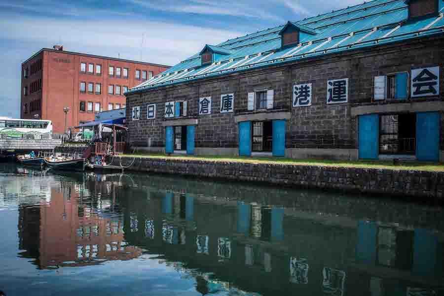 【北海道自由行】逛。小樽運河半日遊,逛街美食、人文歷史,「駁二特區」加「愛河」的綜合體,