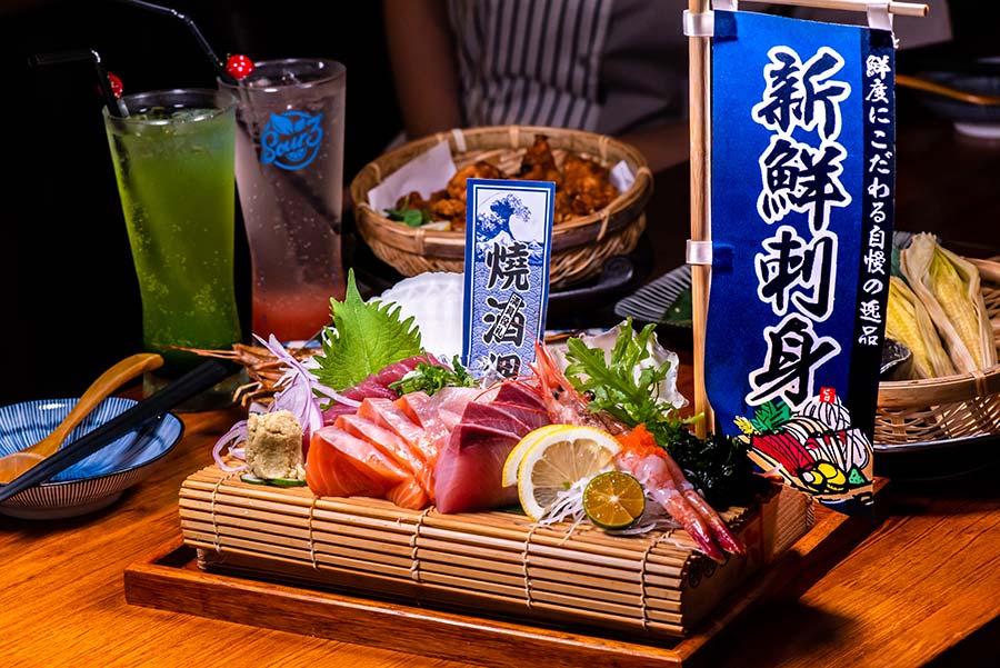 淡水居酒屋、忠義站美食「燒酒狸」發現小沖繩!Orion啤酒、屋台炒麵、時令海鮮、超值生魚片,平價美味料理,在地人超推!