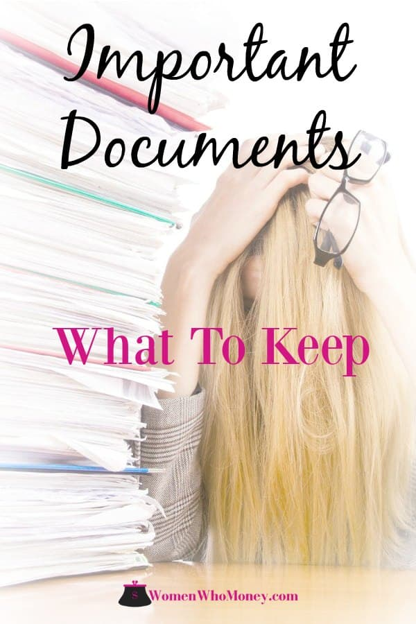 It's time to take control of your paperwork. This article can help you determine what important documents are vital to keep and what you can get rid of. #organize #paperwork #importantdocuments #filingsystems