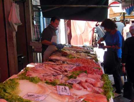 Venedig 28 Venedig Fischmarkt Verkauf 2