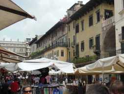Verona9-1 - Piazza delle Erbe