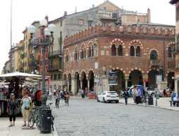 Verona9-3 - Piazza delle Erbe