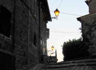 Bolsena 24 - Strassenbeleuchtung