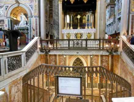 Rom 9 - Lateranbasilika 10 Altar