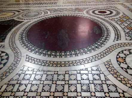 Rom 9 - Lateranbasilika 8 Bodenmosaik