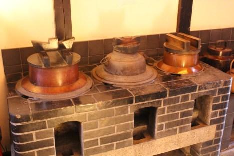 Huge kettle at Hanbey-fu shop