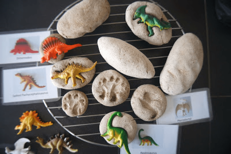 best dinosaur party games