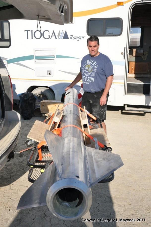 Homemade Rocket Reaches a Height of 121,000 ft18
