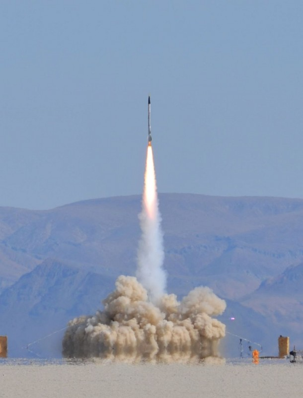 Homemade Rocket Reaches a Height of 121,000 ft8