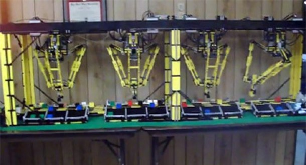 7 Wonderfully Engineered Gadgets Made Out Of LEGO 5