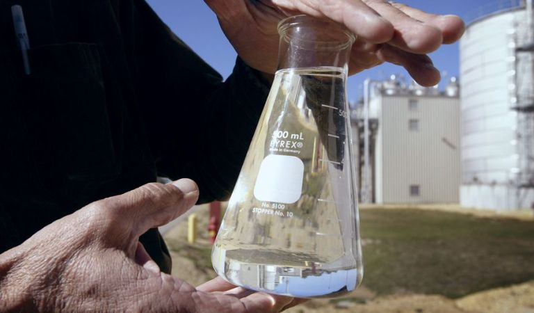 Scientists 'Accidentally' Discover Technique To Turn Waste CO2 Into Ethanol