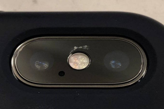 iPhone X Users Are Complaining Of Camera Lens Getting Cracked