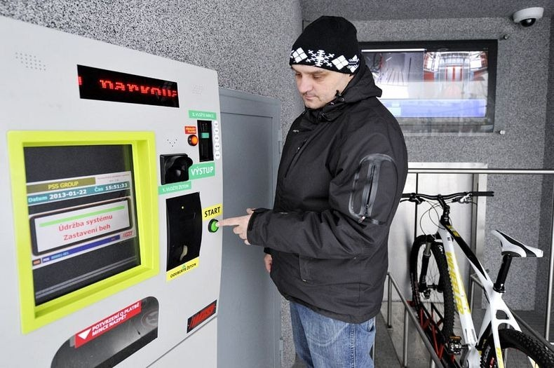 czech-cycle-parking-1