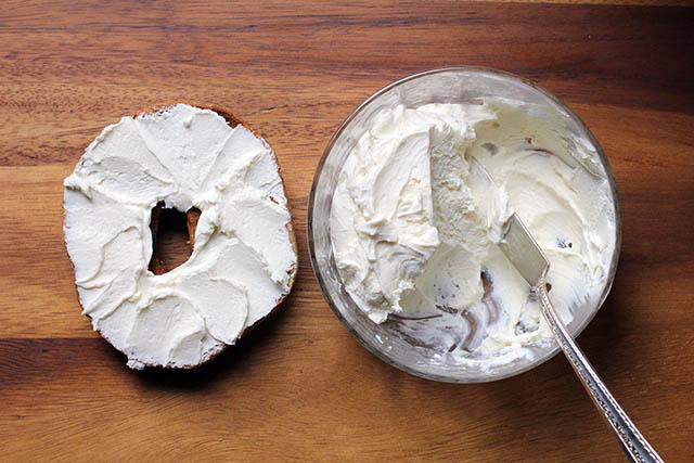 Easy Homemade Cream Cheese