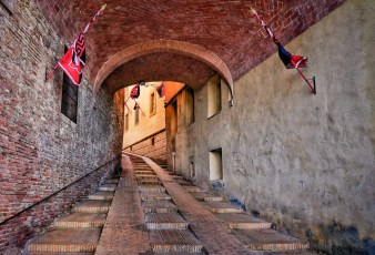 Steep Lane - Montepulciano