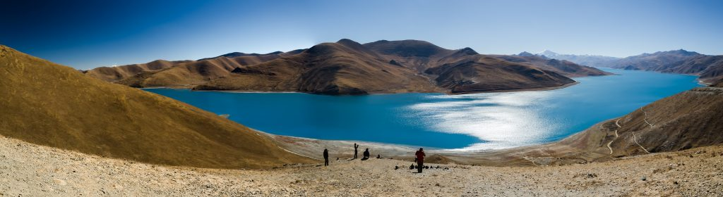 Yamdrok Lake the sacred lake in Tibet
