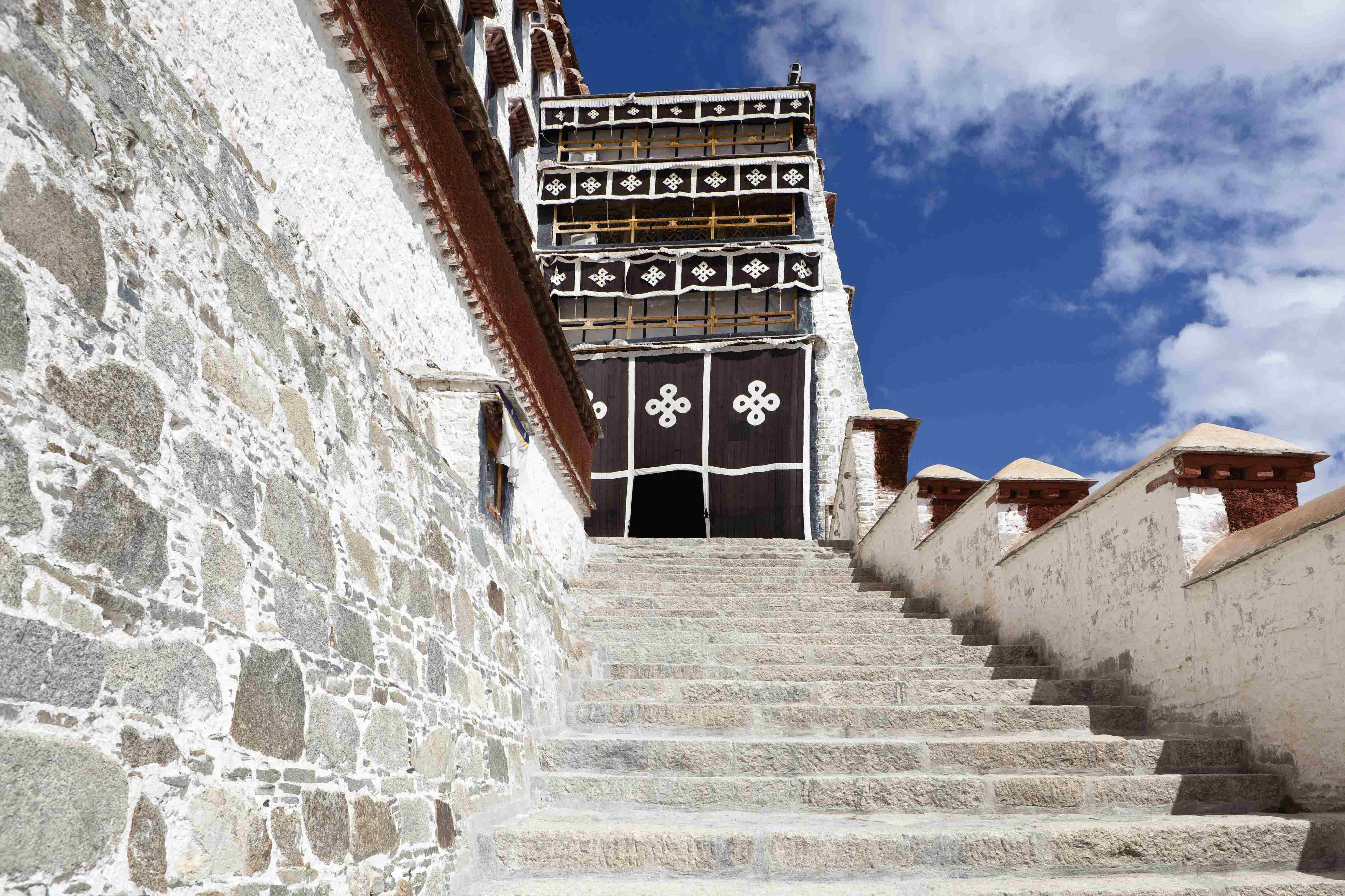 Potala Palace Visitors Information History And Description