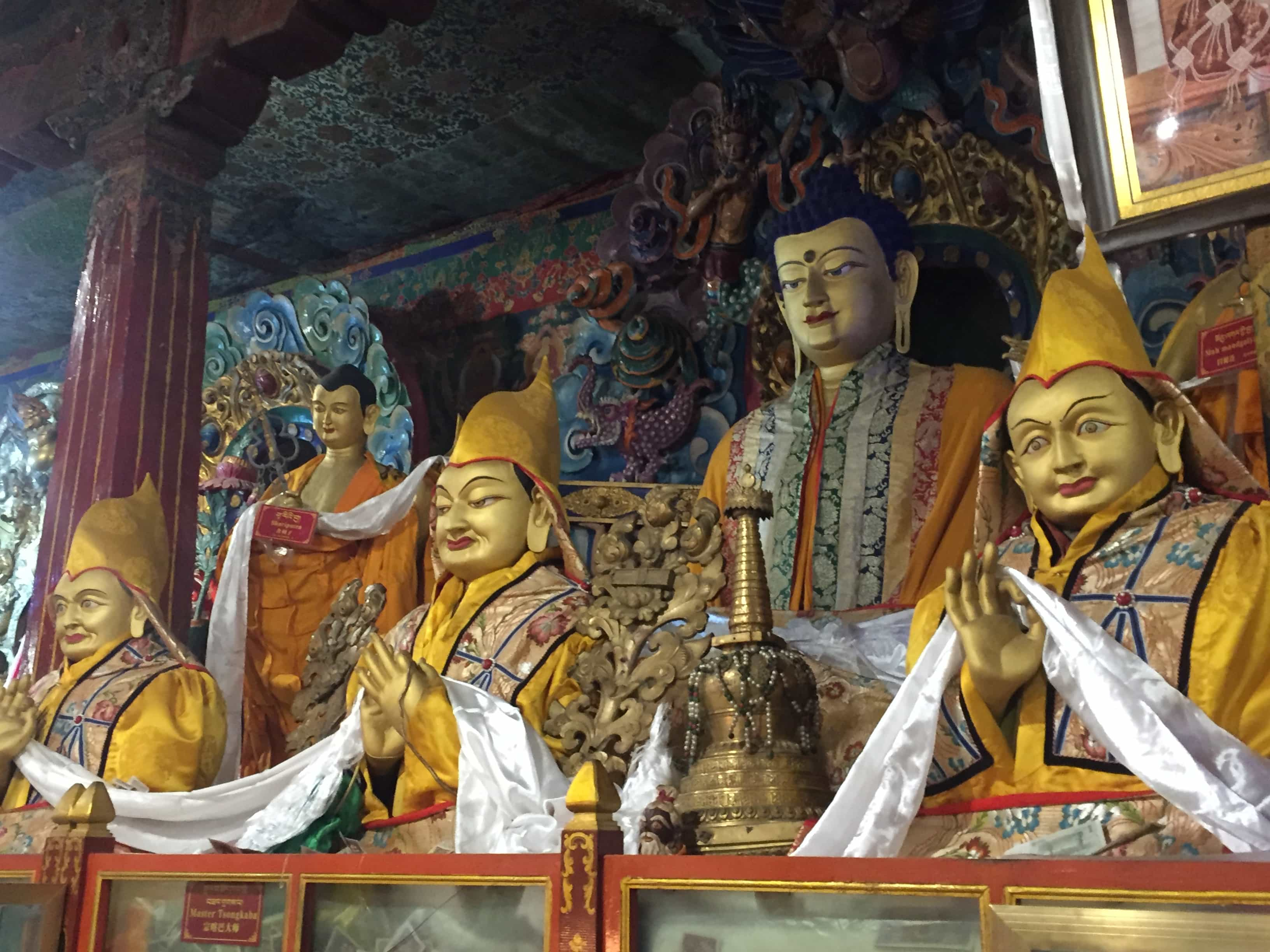 Statues of Tsongkhapa(in the middle) and his two disciples