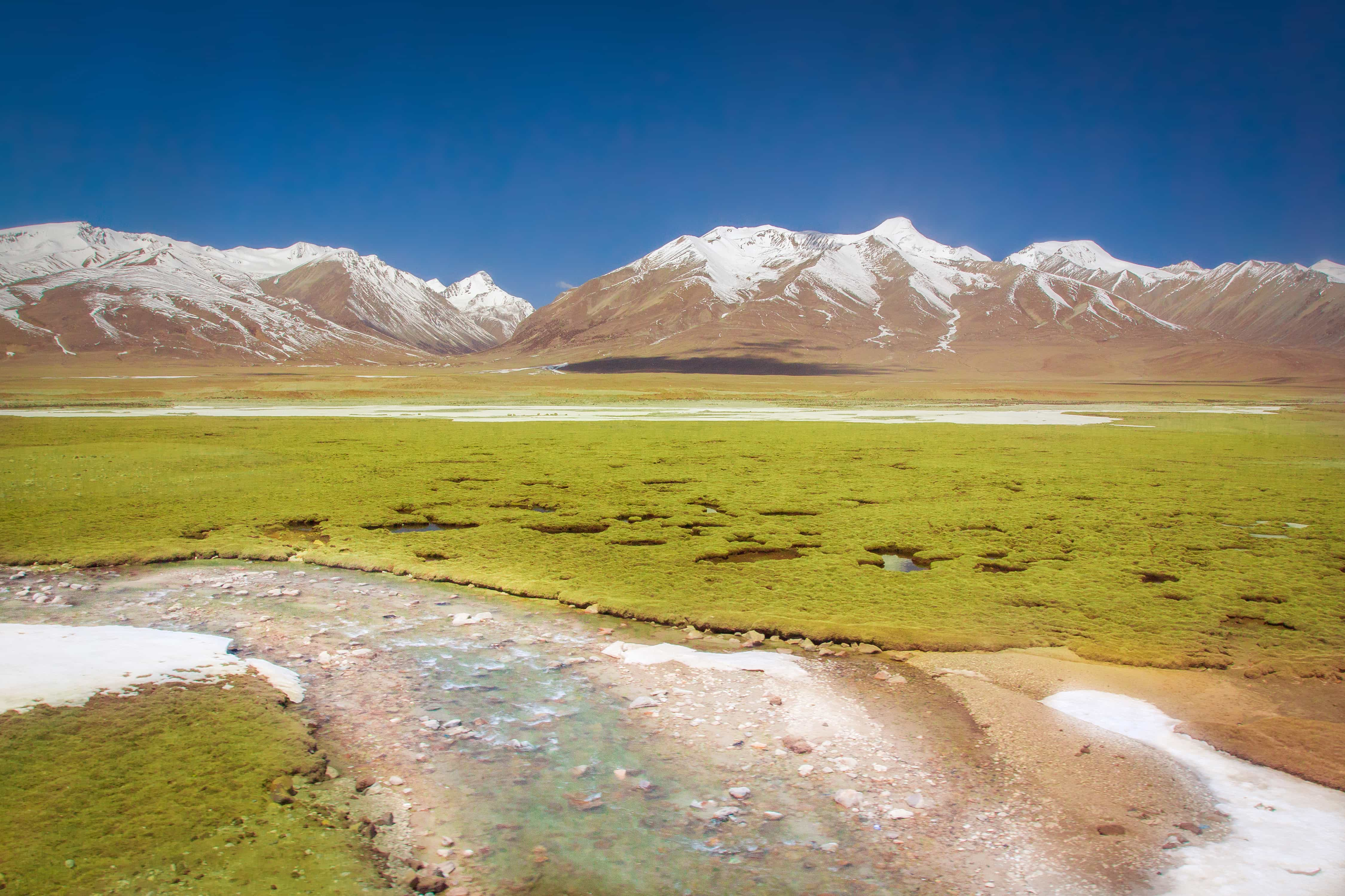 View on the Tanggula mountain from the train to Tibet